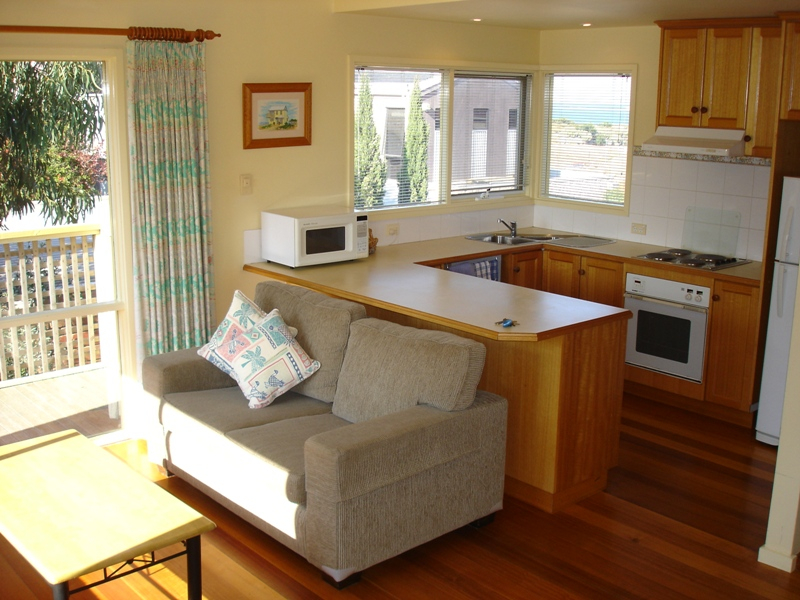 Beach Cottages Torquay, Cottage No.1 lounge